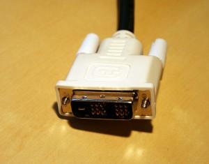 762px-dvi_connector