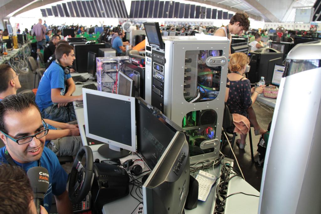 Tenerife Lan Party 2k12 y por qué no se estudia Internet en la escuela